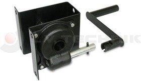 Winch with reduction gear